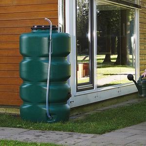 Recuperaci n agua de lluvia dep sito jardin - Deposito de agua de lluvia ...